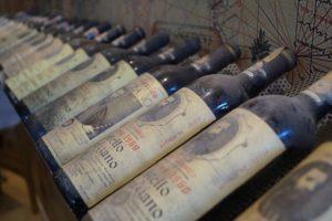 wine-tasting-naples